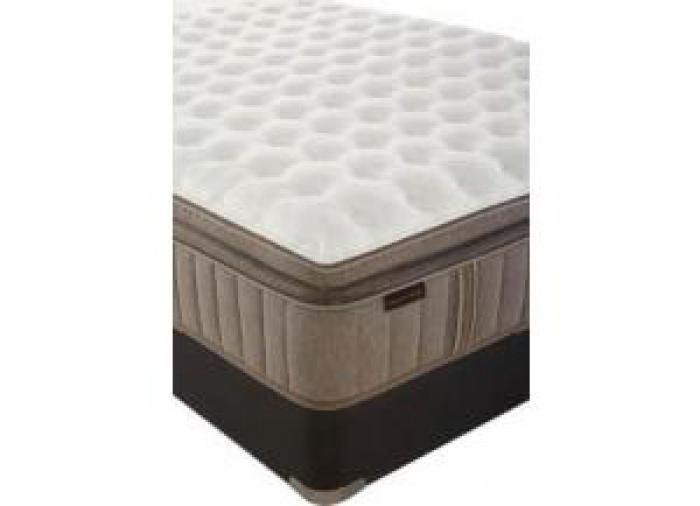Oak Terrace Euro Top Full Mattress w/ Foundation Plus Platinum Bedding Package,Stearns & Foster