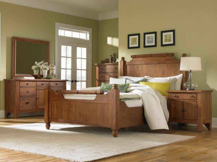 Kemper Sales BROYHILL ATTIC HEIRLOOMS QUEEN BED  NIGHTSTAND   BROYHILL ATTIC HEIRLOOMS QUEEN BED  NIGHTSTAND  DRESSER MIRROR CHEST  BROYHILL FURNITURE. Broyhill Attic Heirlooms Bedroom. Home Design Ideas