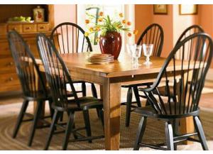 BROYHILL ATTIC HEIRLOOMS DINING TABLE & 6 CHAIRS