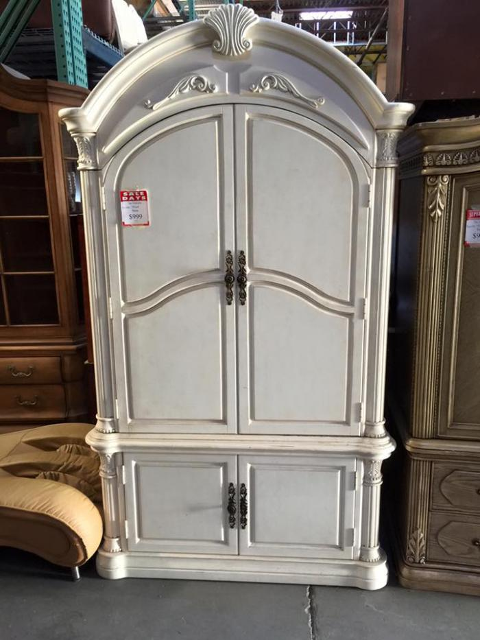 Traditional Armoire,Leonardo Furniture