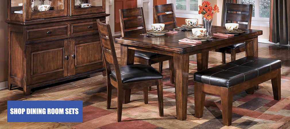 Larchmont Rectangular Extension Table & 4 Side Chairs