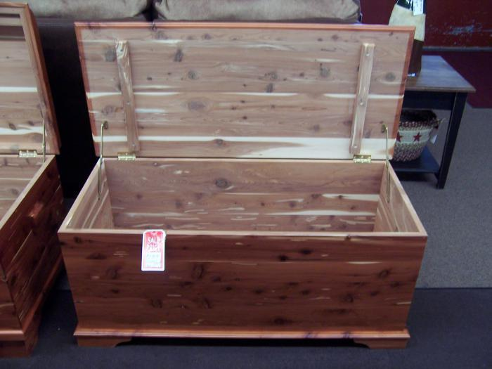 Amish Solid Cedar Chest,Amish Furniture