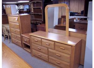 4 Pc Oak Bedroom Suit