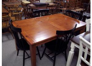 Country pine dinette w/ 4 chairs