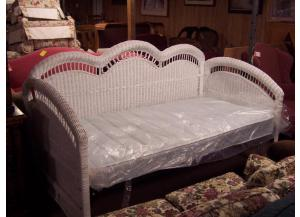 Preowned Wicker daybed with new mattress