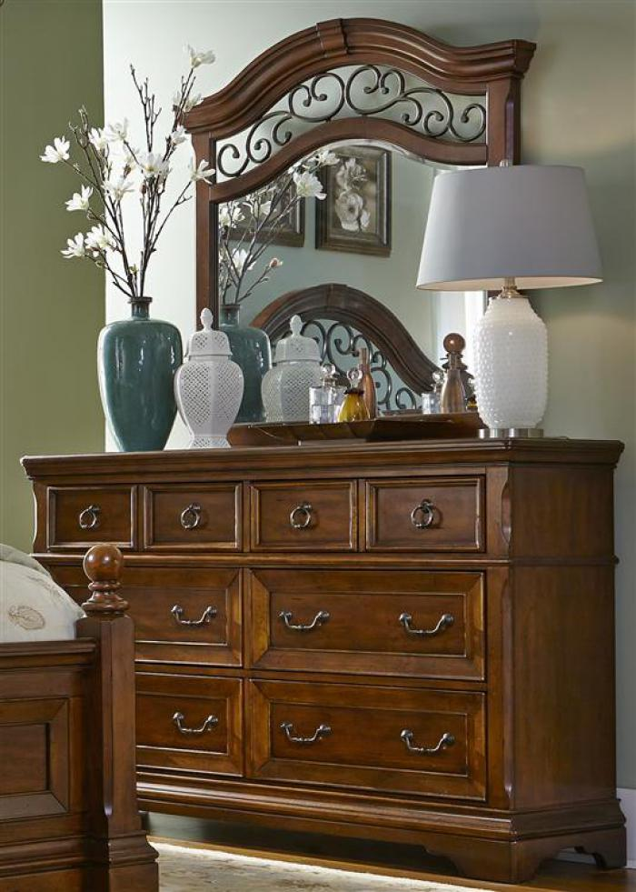 547 Laurelwood 6 Drawer Dresser,Liberty Furniture Industries