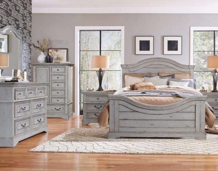 Stonebrook Queen Bed,American Woodcrafters