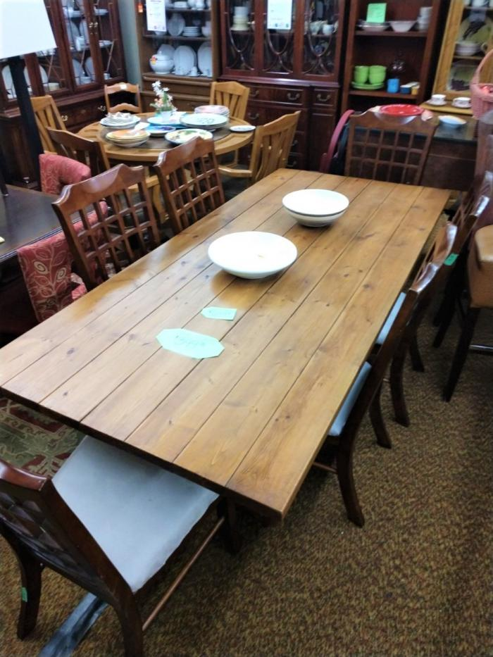 Dining Room Table & 6 Chairs,Pre-Owned Furniture