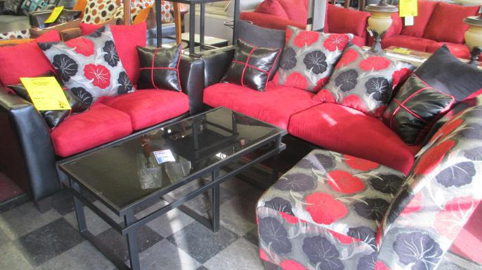 Miami Blood Sofa and Love was $799.00  Now $599.00,MORE CLEARANCE