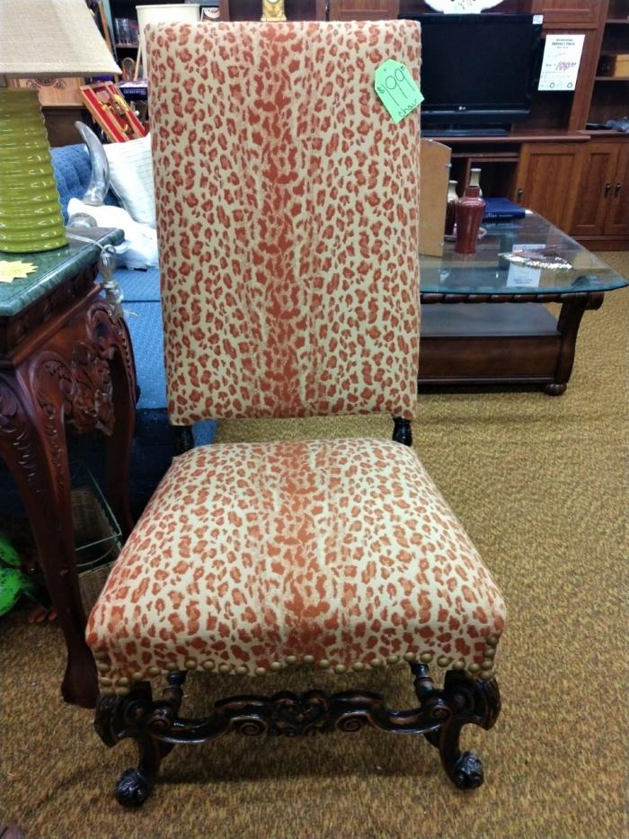 Vintage Chair,Pre-Owned Furniture