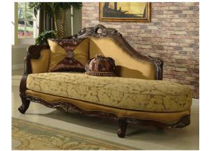 623 Traditional Chaise