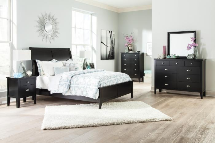 Braflin Queen Sleigh Bed w/Dresser, Mirror, Drawer Chest & Nightstand,Ashley Clearance