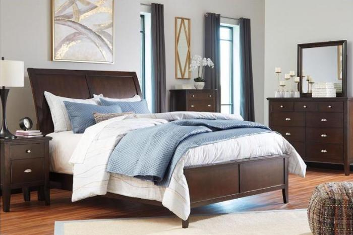 Evanburg Brown Queen Sleigh Bed w/Dresser, Mirror, Drawer Chest & Nightstand,Ashley Clearance