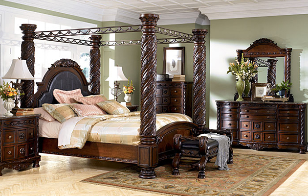Etonnant Bedroom Set. Sofa