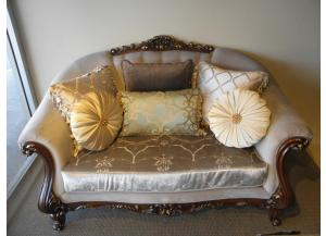 French Pavilion Loveseat