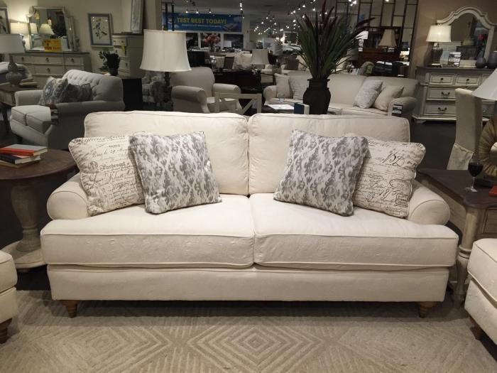 Roseville Sofa,KIncaid