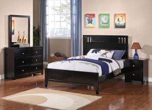 Black Full Bed w/Dresser, Mirror & Nightstand