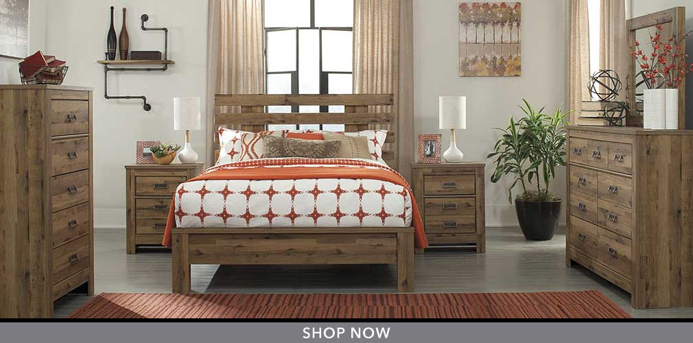 Cinrey Medium Brown Queen Panel Bed w/ Dresser and Mirror