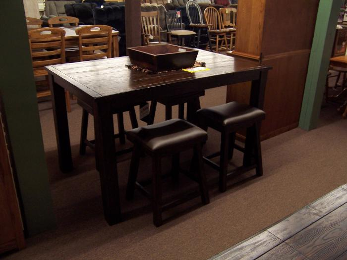 Oak Pub table w/ 4 stools,Ahner New Furniture