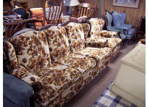 2 pc sofa and chair