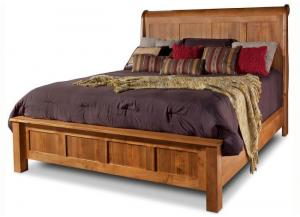 Lewiston Queen Sleigh Bed by Daniels Amish