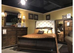 Clearance - Queen Sleigh Bedroom Set by Klaussner